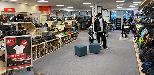 CUBE Store Rostock Bekleidungsabteilung